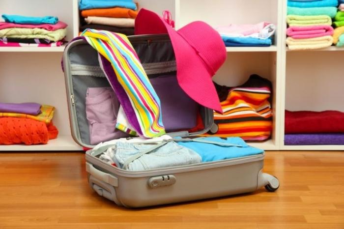 Как правильно собрать чемодан в путешествие?