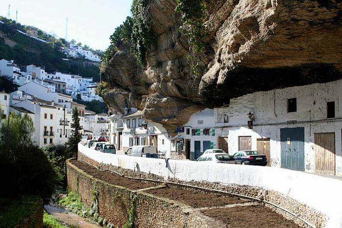 Сетениль-де-лас-Бодегас, Кадис, Испания, ТОП-10 необычных городов мира со всего света - FREETURIST