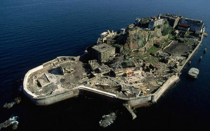 attleship, остров-линкор, Япония, ТОП-10 необычных городов мира со всего света - FREETURIST