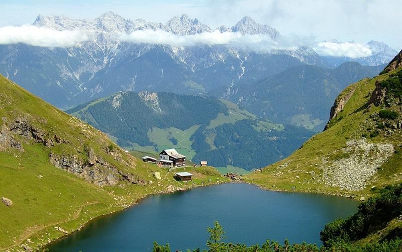Австрия: путешествие зимой, весной, летом и осенью