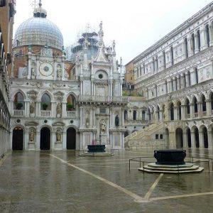Дворец Дожей – самая популярная достопримечательность Венеции