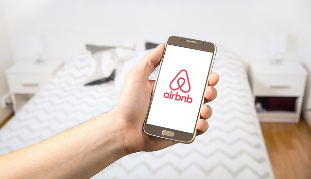 hudshii-arendator-servisa-airbnb