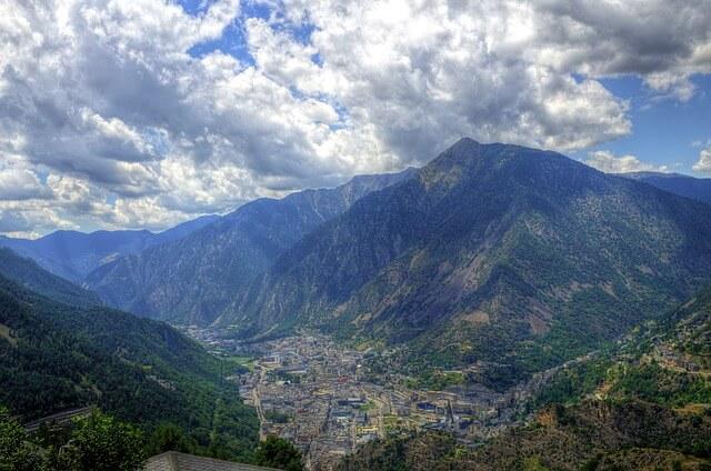 Страна Андорра — история, шопинг, цены и горнолыжные курорты