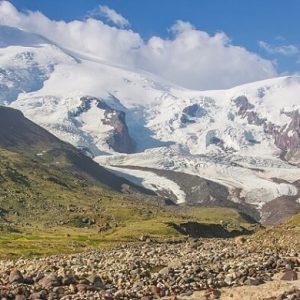 ТОП-5 самых заманчивых горных вершин в России для восхождения