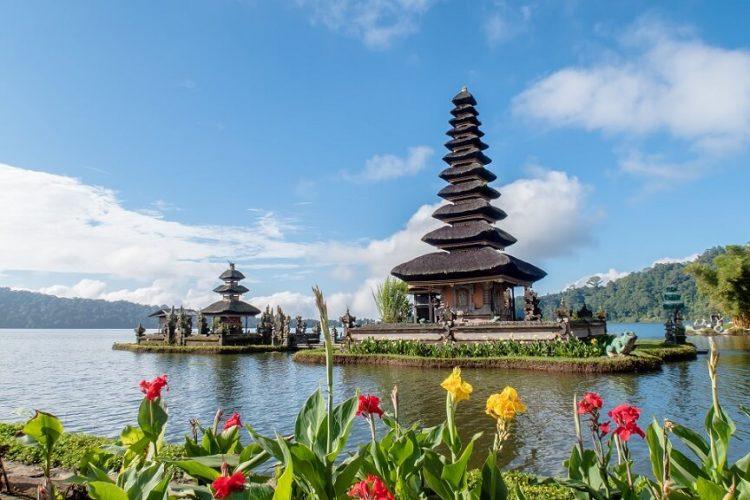 Туры в Индонезию, горящий тур на Бали - эти слова греют душу туристов
